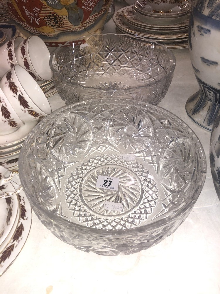 Lot 20 - Two cut glass bowls