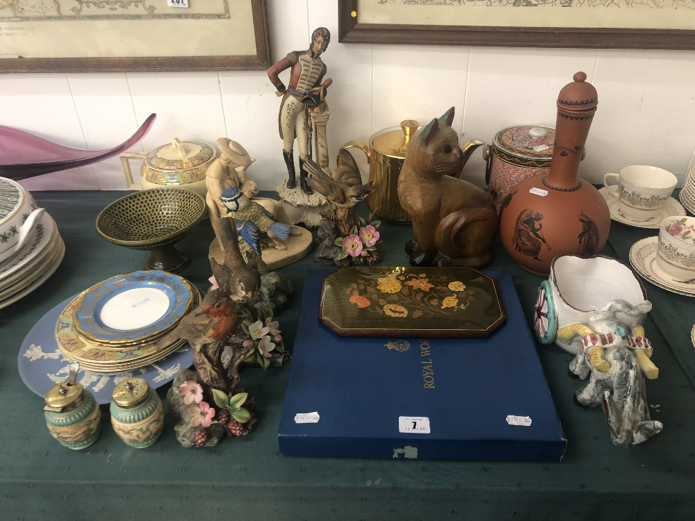 Lot 41 - Two boxes of assorted odds