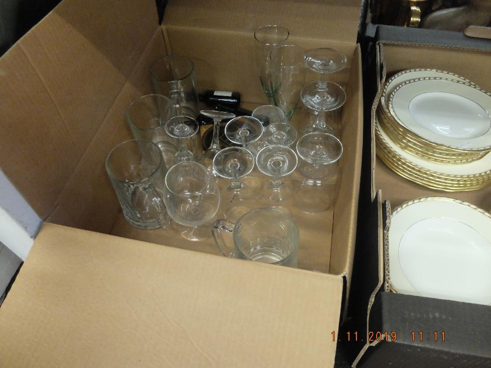 Lot 43 - A quantity of glassware