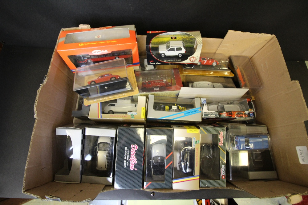 Lot 39 - Box of Model Cars, 'Detailcars' etc