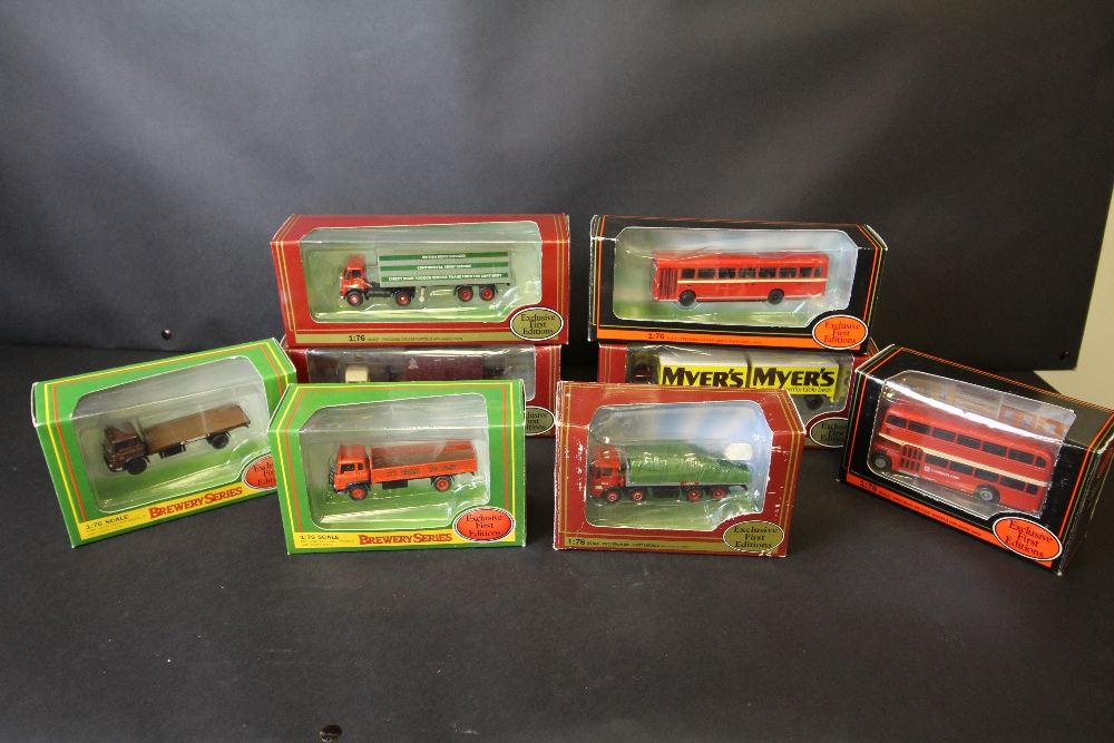 Lot 6 - 8 Gilbow Exclusive First Editions 1:76 - 24001, 22204, 19405, 25002, 23401, 24101, 13907, 31202