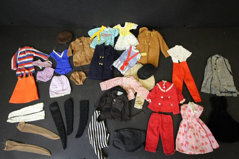 Lot 26 - Sindy and Patch clothing
