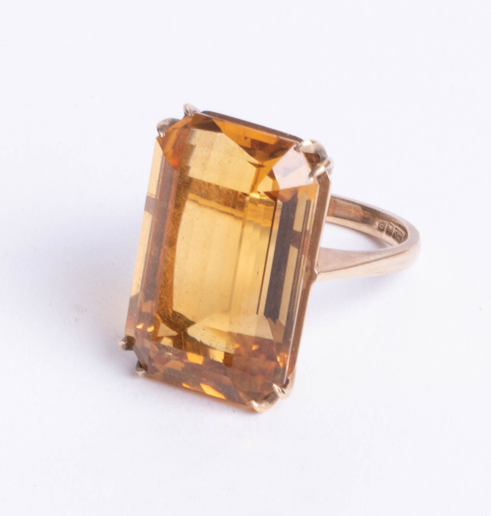 Lot 047 - A 9ct large single stone citrine ring, stone size 22m x 16mm, size N.