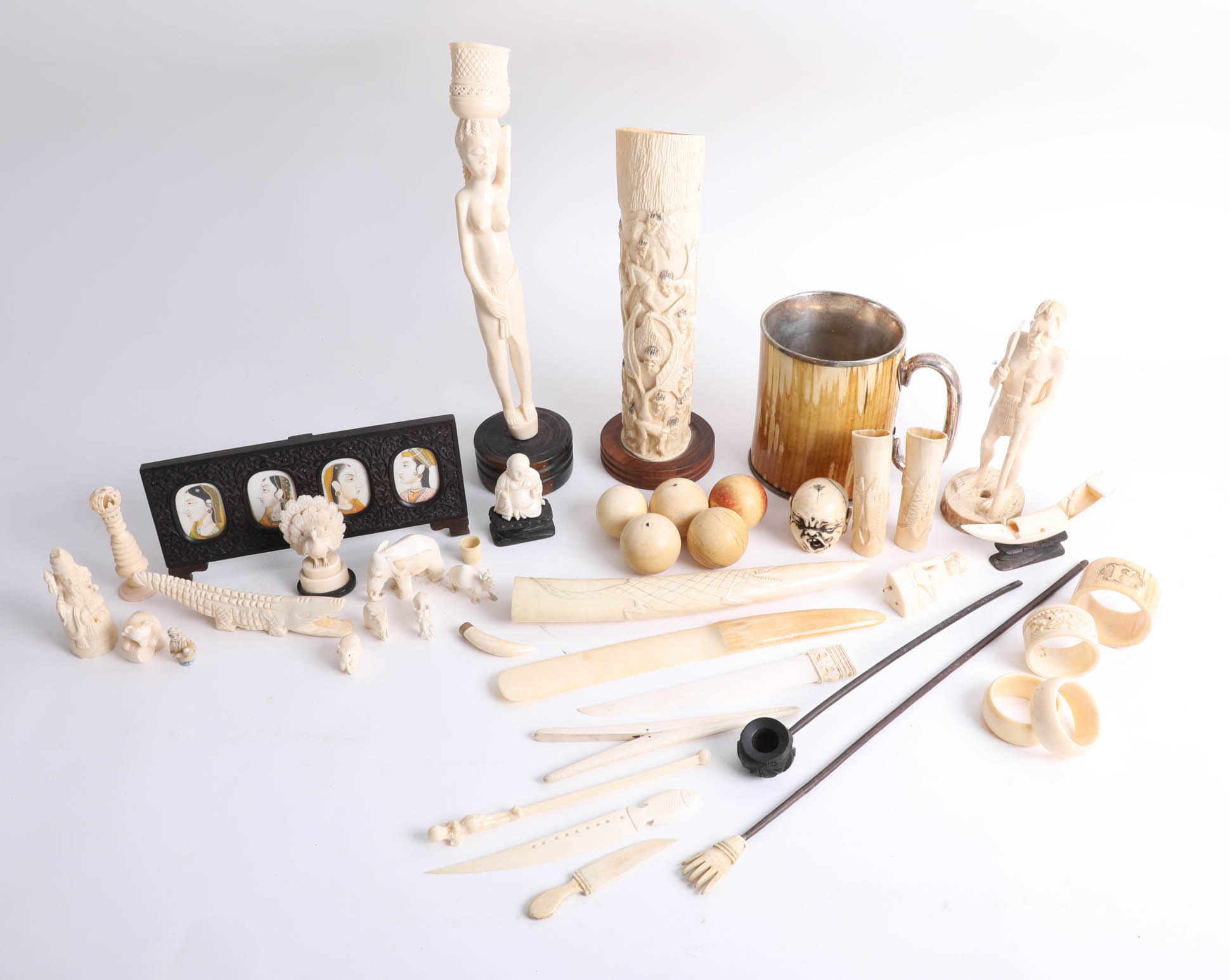 Lot 005 - Collection of various antique carved ivory/bone objects.