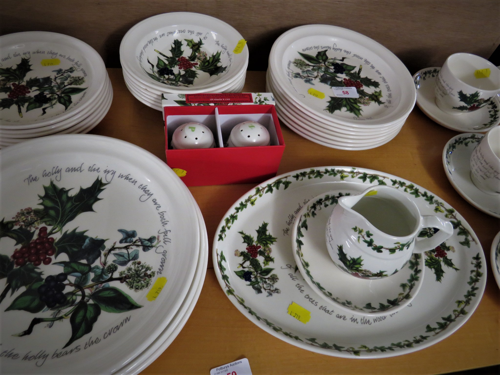 Lot 58 - PORTMEIRION 'THE HOLLY AND THE IVY' DINNER AND TEAWARE - SIX CUPS AND SAUCERS, SIX TEA PLATES, SIX