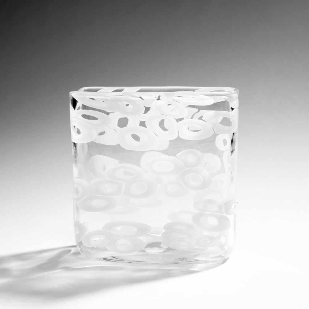 Lot 514 - Fulvio Bianconi Vase 'Murrine', um 1953 Querrechteckige Form. H. 20,6 cm; 20, 3 x 9 cm.