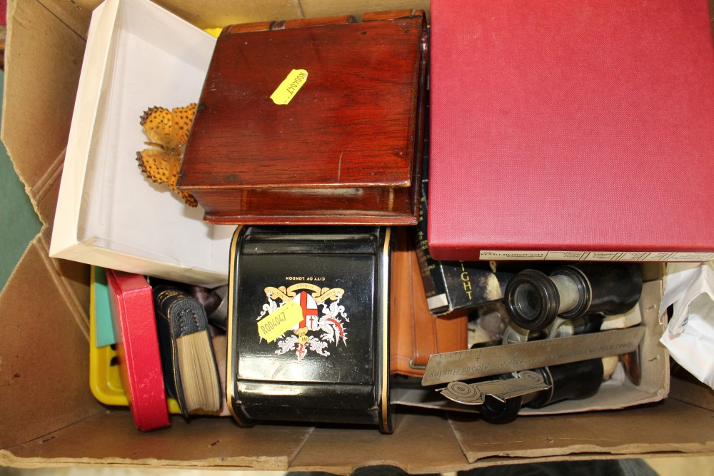 Lot 3508 - Sundry works of art, to include novelty 'Smoking Statesman' boxed, silver lighter, Black Forest