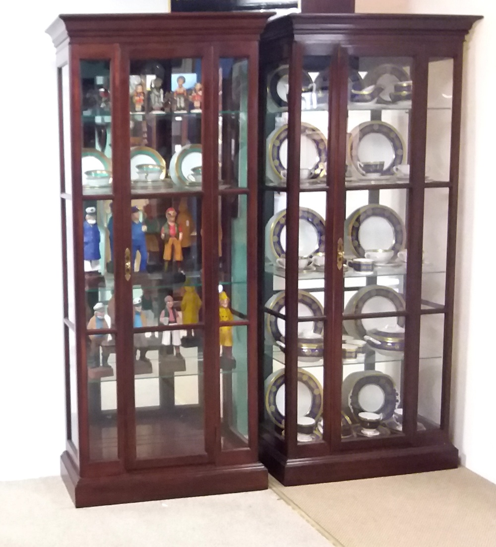 Lot 43 - Matching Pair of Mahogany Mirror Back Display Cabinets by Ethan Allen Dimensions:81cm W 31cm D