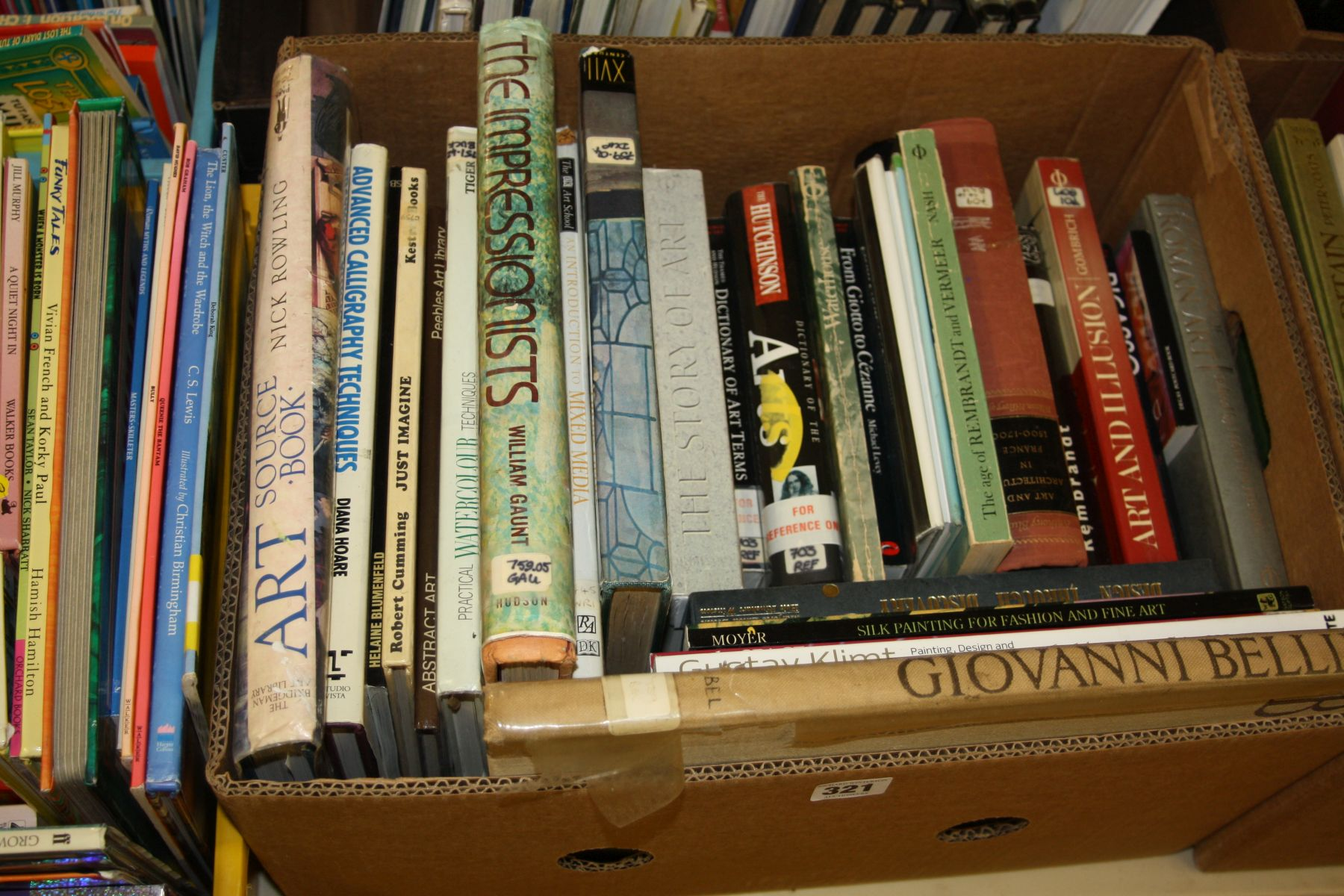 Lot 321 - A TRAY CONTAINING APPROXIMATELY TWENTY FIVE BOOKS, on Art and Artists