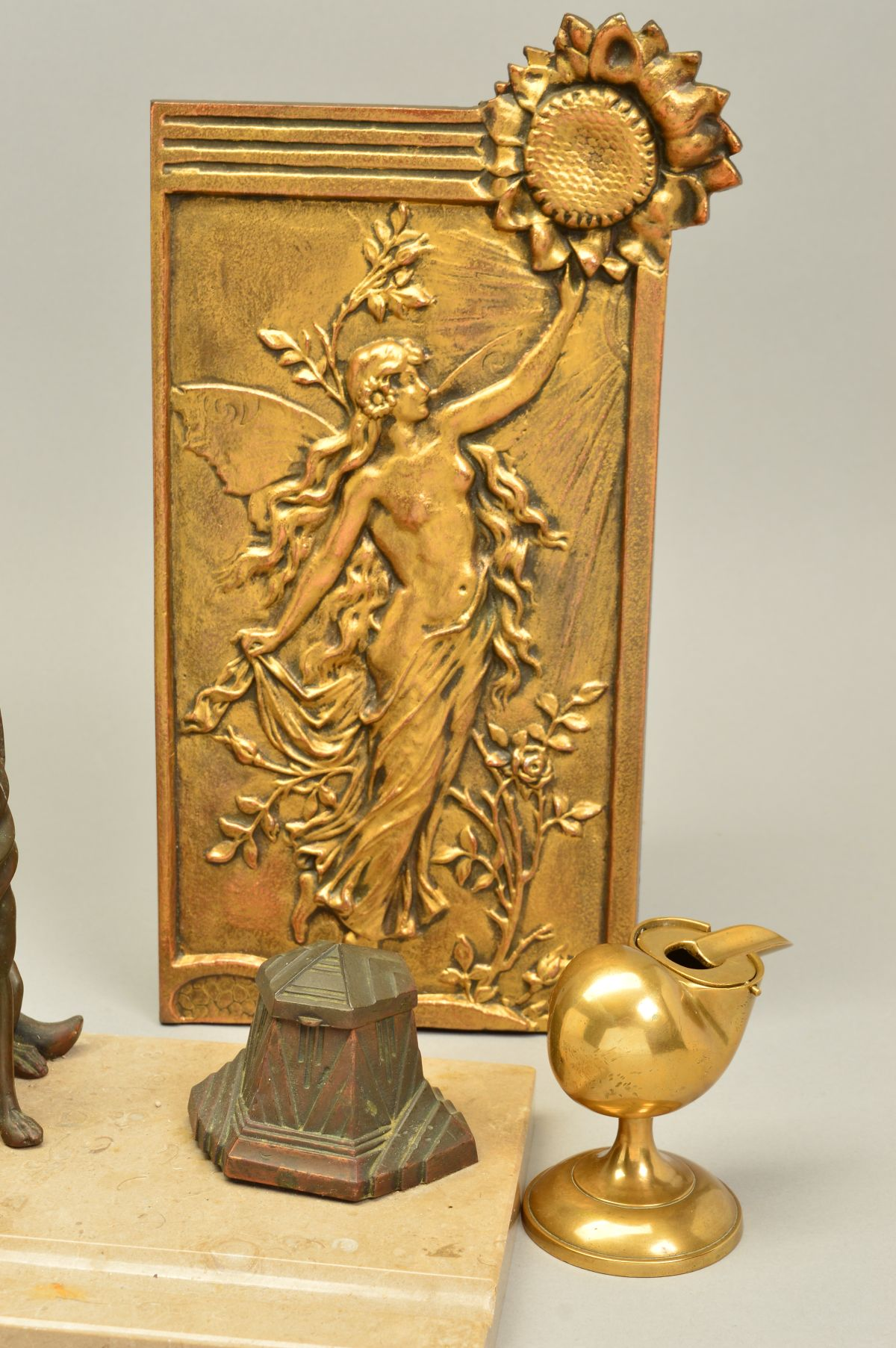 Lot 274 - AN ART DECO DESK STAND, the cafe au lait colour marble mounted with a pair of bronzed spelter