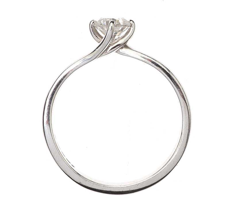 Lot 59 - 18CT WHITE GOLD SOLITAIRE DIAMOND RING