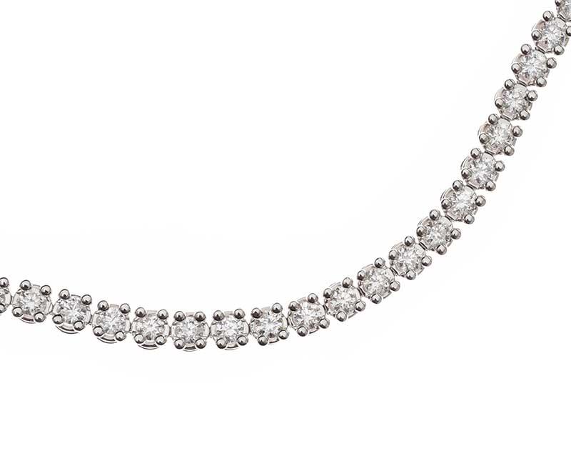 Lot 28 - 18CT WHITE GOLD DIAMOND TENNIS BRACELET