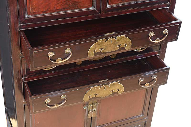 Lot 16 - CHINESE FUJIAN CABINET