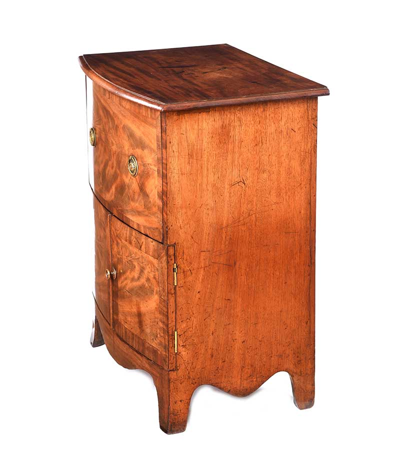 Lot 35 - GEORGIAN MAHOGANY BOW FRONT CABINET
