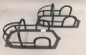 Two cast trotter bridle racks