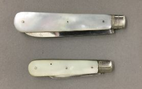 A silver and mother-of-pearl fruit knife,