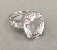 An 18 ct white gold dress ring (8 grammes total weight)