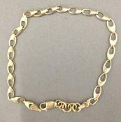 A 9 ct gold bracelet (2.