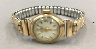 A 9 ct gold ladies wristwatch,