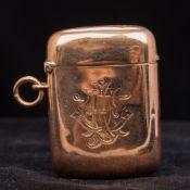 A Victorian 9 ct gold vesta case, hallmarked Birmingham 1900,