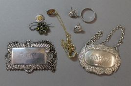 A small quantity of various silver and other jewellery,
