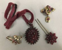 Four pieces of Victorian jewellery