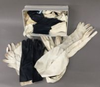 A quantity of ladies leather gloves