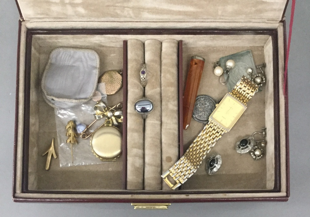 Lot 50 - A box of miscellaneous jewellery
