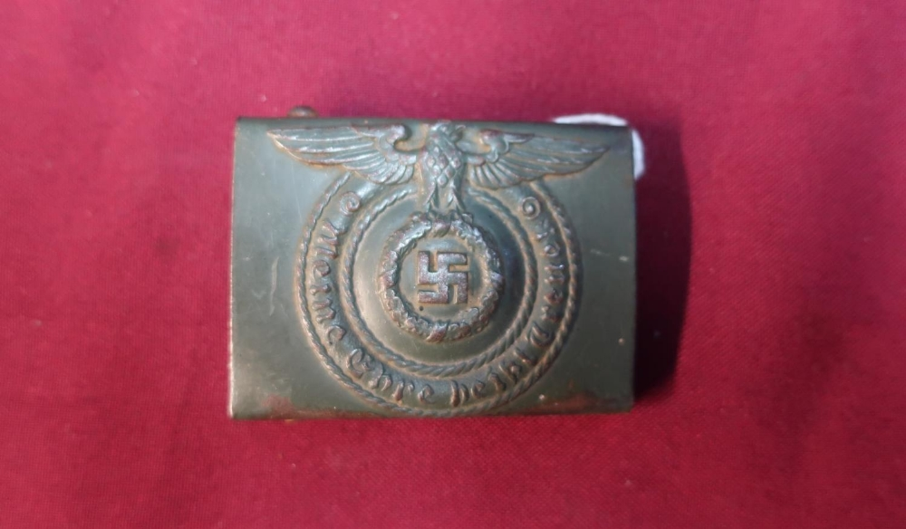 Lot 47 - German WWII belt buckle with eagle above Swastika
