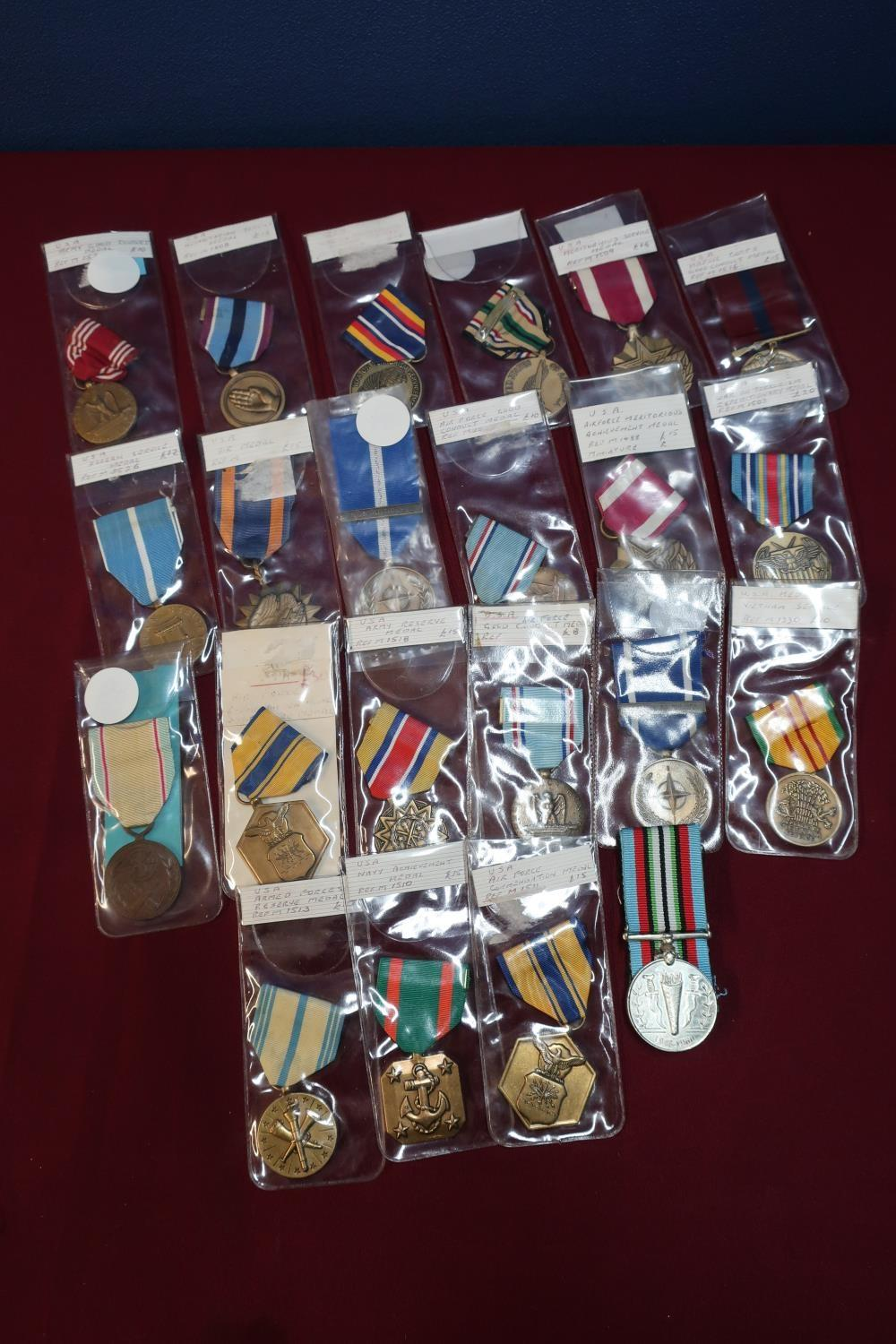 Lot 15 - Collection of 22 various USA medals including Nato Non Article 5 medal, various campaign medals