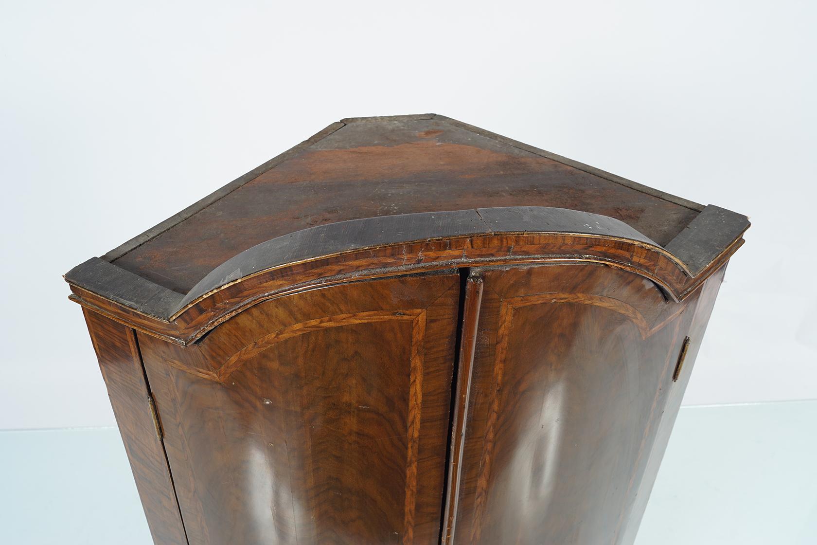 18TH-CENTURY WALNUT AND HERRING BONE INLAID HANGING CORNER CABINET - Image 2 of 2