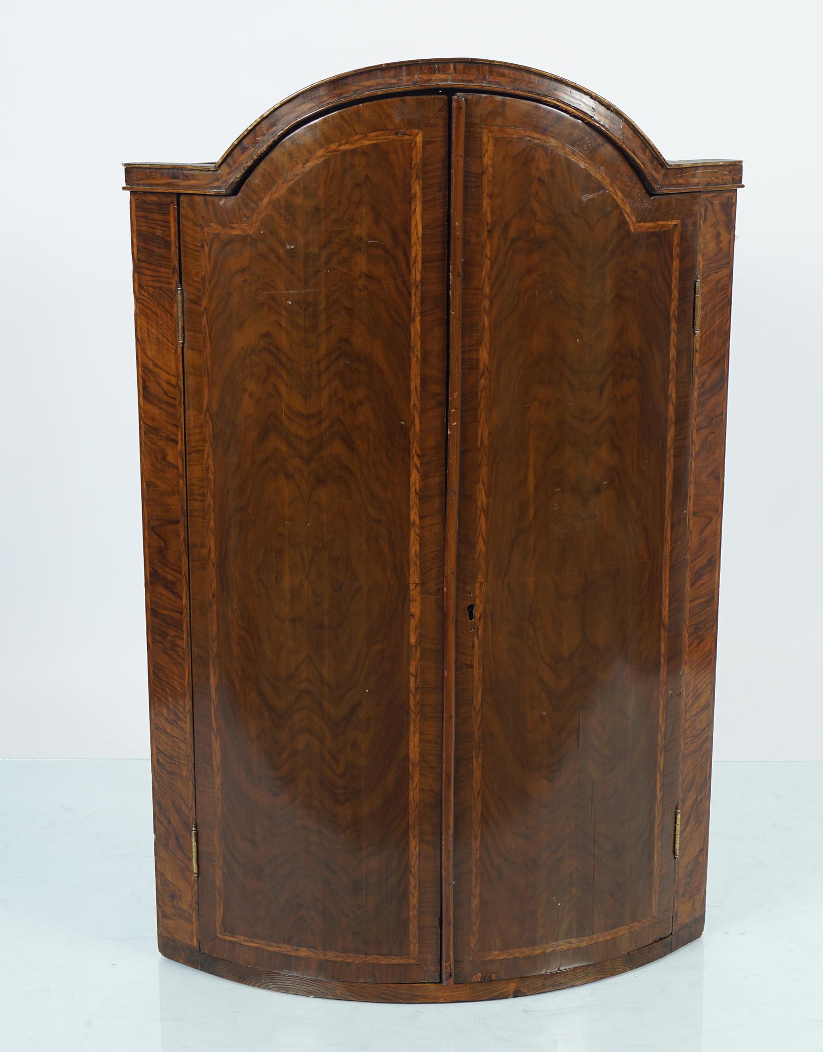 18TH-CENTURY WALNUT AND HERRING BONE INLAID HANGING CORNER CABINET