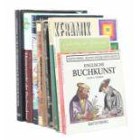 9 Bücher   Antiquitätenbest. aus: van Lemmen, Delfter Kacheln, DVA, 1998; Stahl, Deutsche Fliesen,