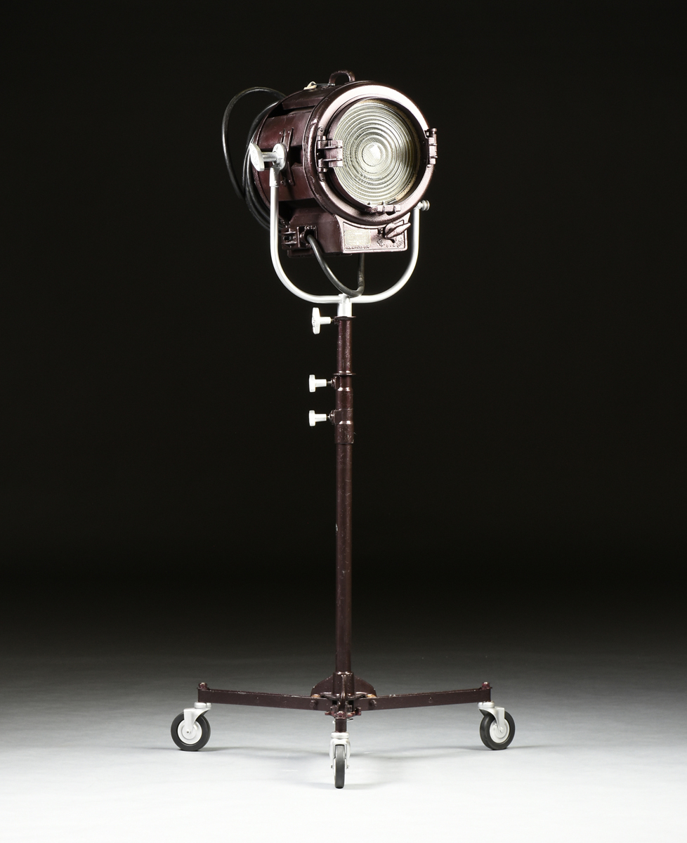Lot 55 - A MOLE-RICHARDSON TYPE 410 SOLARSPOT LIGHT, HOLLYWOOD, CALIFORNIA, MID 20TH CENTURY, no. 6619.