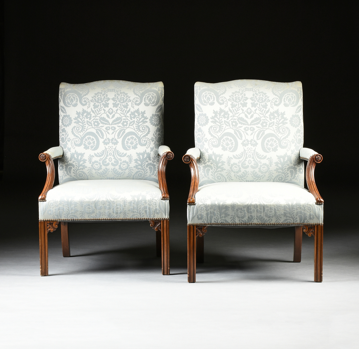 Lot 52 - A PAIR OF BAKER FURNITURE ARMCHAIRS, AMERICAN, CIRCA 1976, in the Chippendale style, the arched