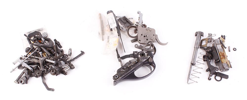 Lot 59 - Box containing mixed gun spares and parts incl.: Beretta; Laurona; BRNO; Remington