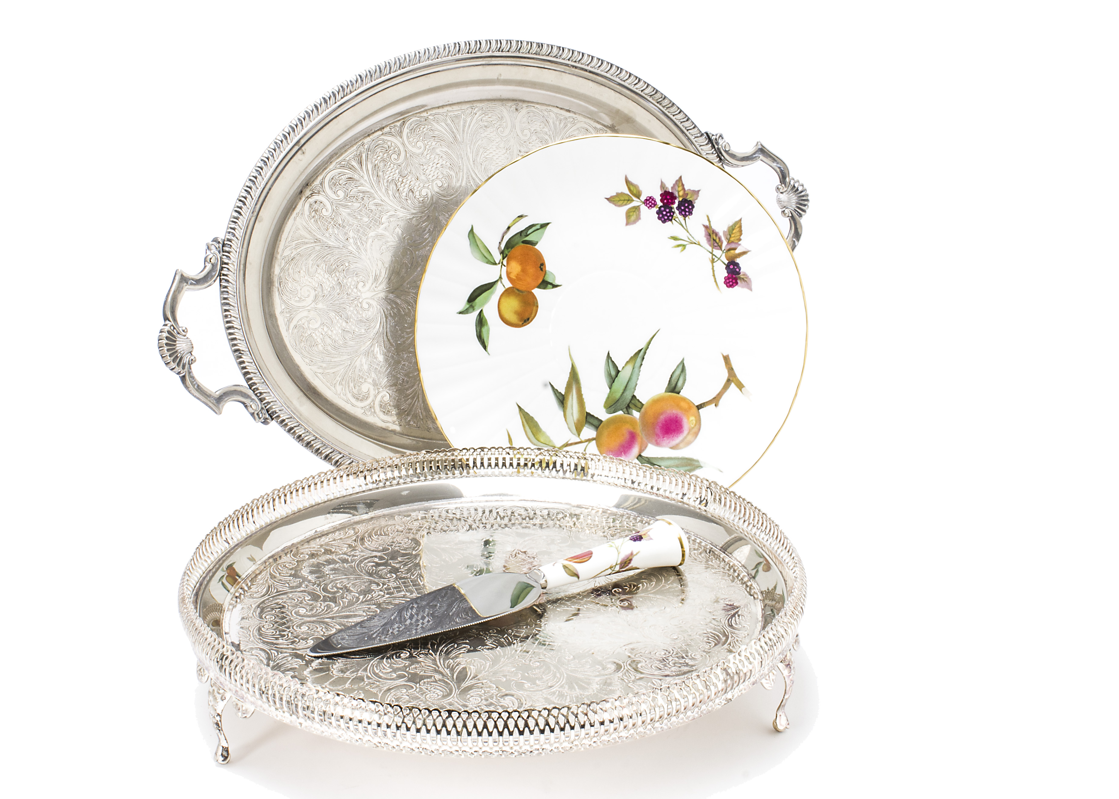 Lot 25 - A collection of silver plate and jewellery, including a tea set, two trays, along with a 9ct gold