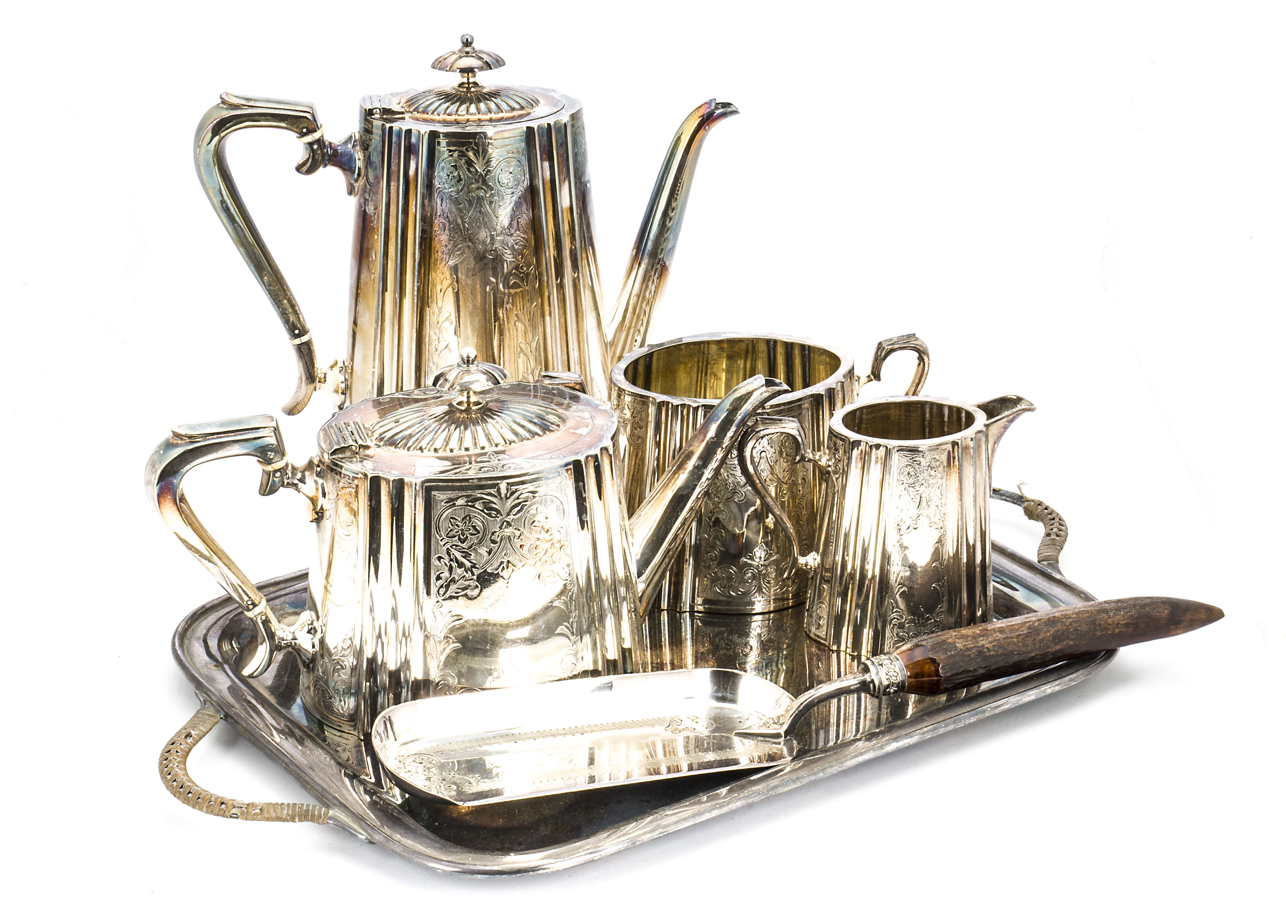 Lot 33 - A collection of Georgian and later silver and silver plated items, including six forks and four