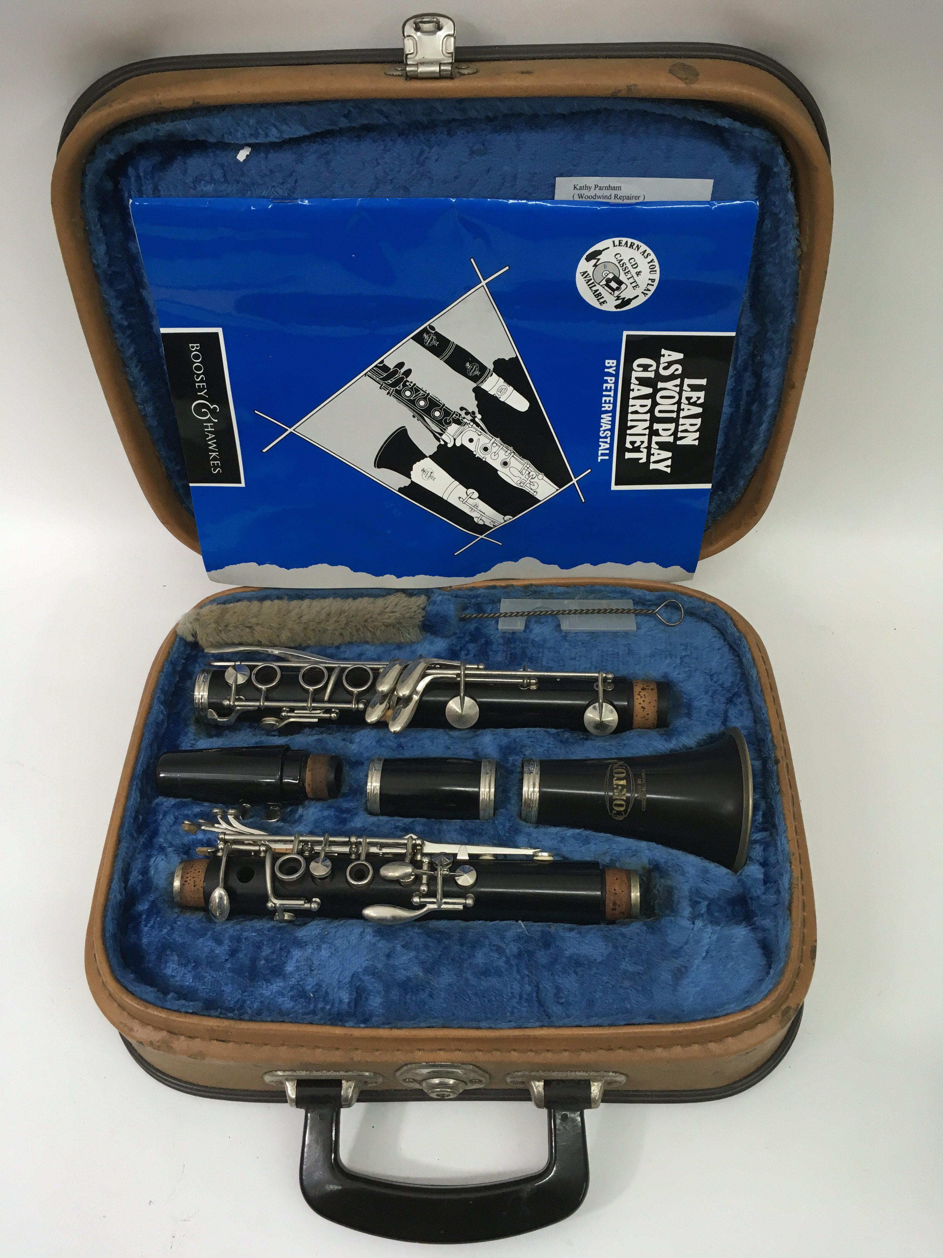 Lot 1830 - A cased Corton clarinet