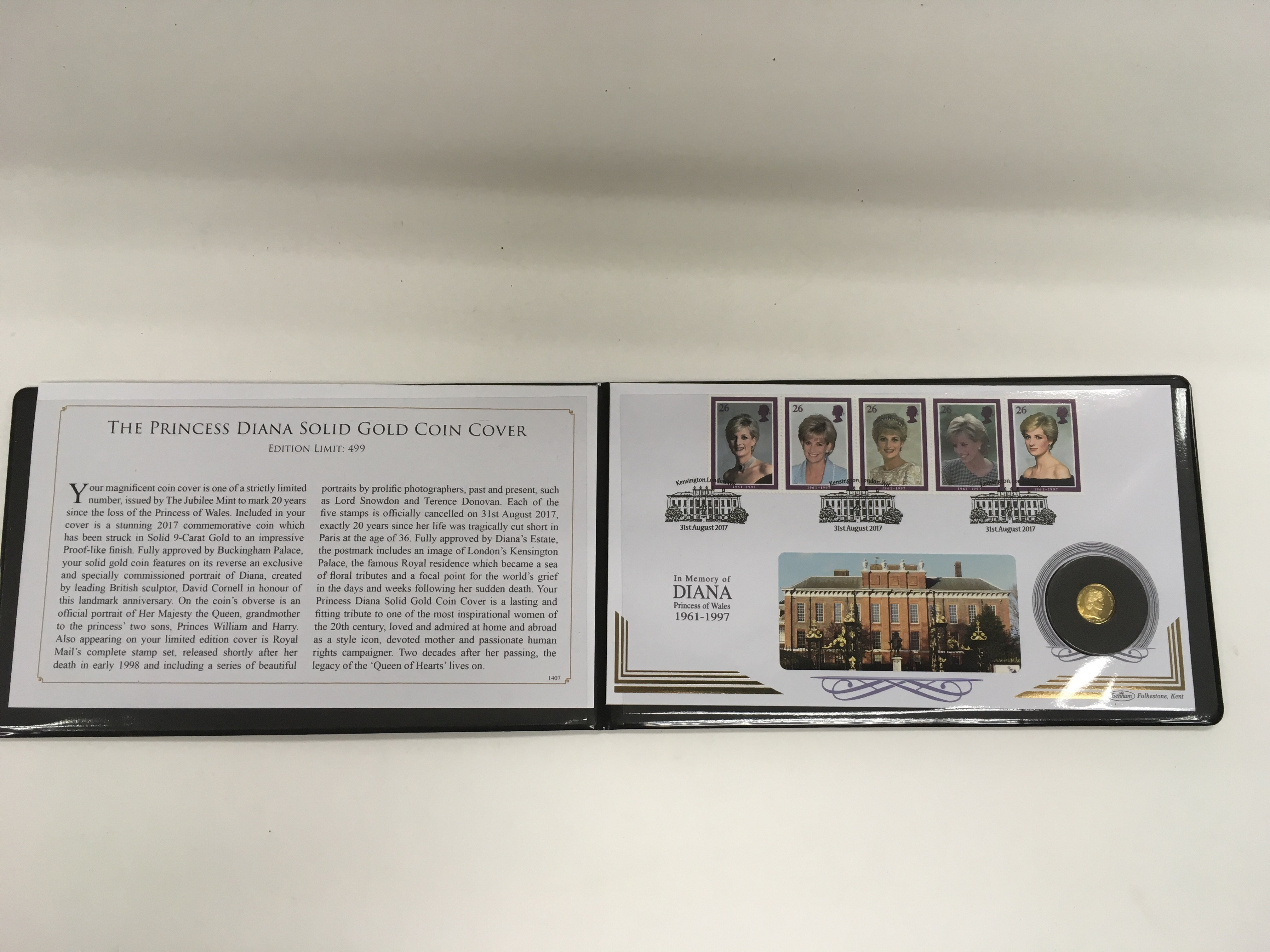 Lot 299 - A Jubilee Mint commemorative gold coin cover in me