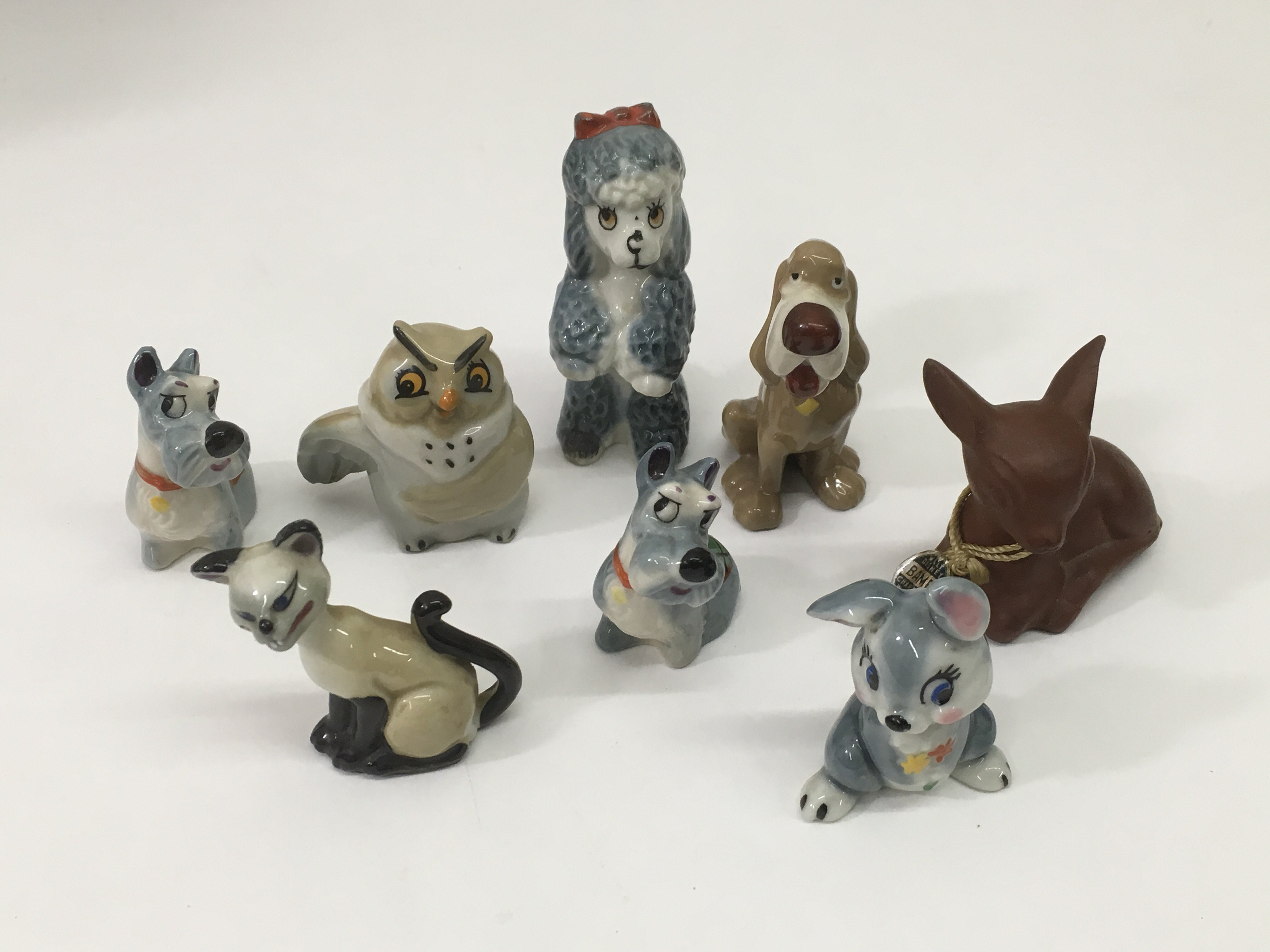 Lot 757 - A collection of small Wade Disney figures.