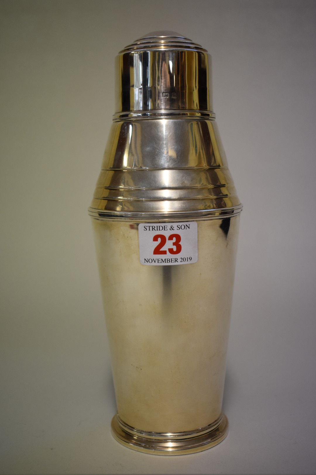 Lot 23 - An Art Deco silver cocktail shaker, by Mappin & Webb Ltd, Birmingham 1930, 444g.