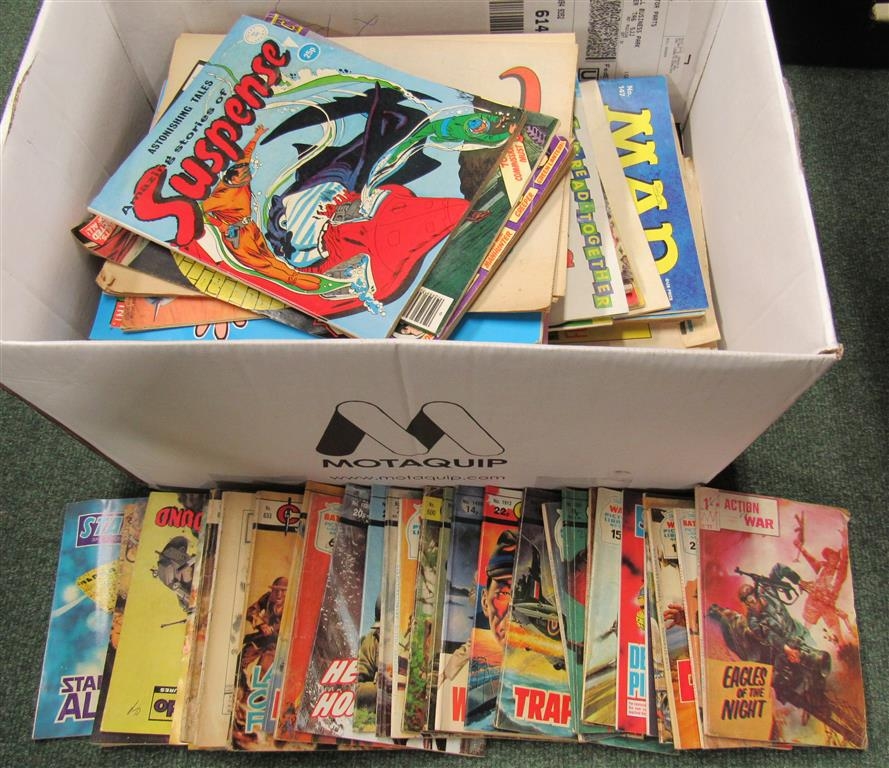 Lot 349 - A miscellaneous collection of vintage childrens' comics and magazines to include Star Blazer,