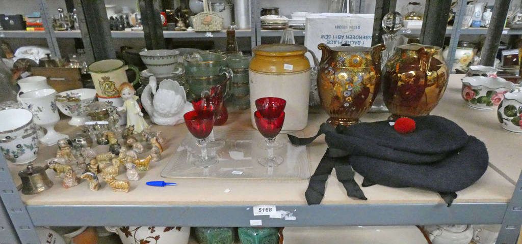 Lot 5168 - SELECTION OF VARIOUS ITEMS INCLUDING COMMEMORATIVE MUGS, WADE WHIMSIES,