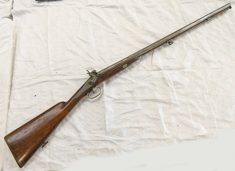 Lot 1256 - MID 19TH CENTURY 34 BORE DOUBLE BARRELLED FRENCH PERCUSSION SHOTGUN WITH 80.