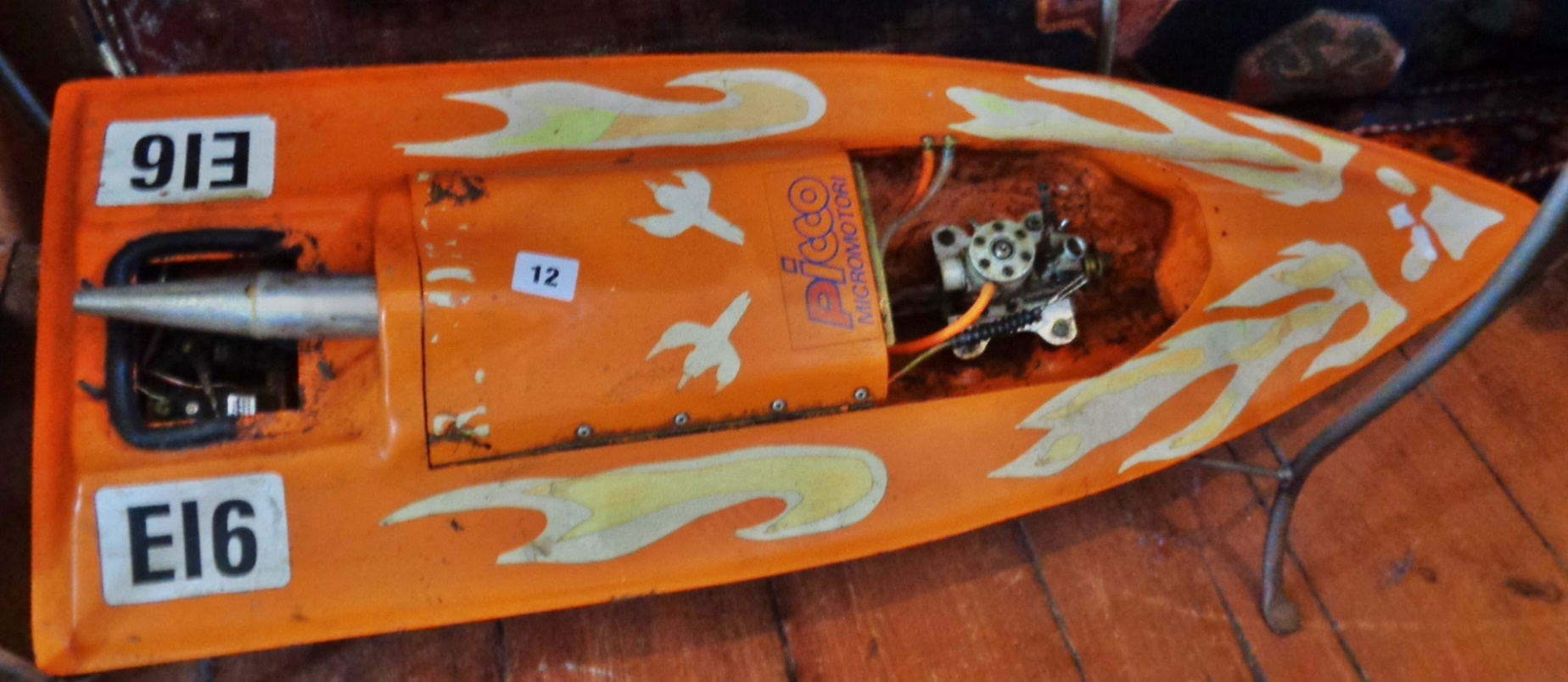 Lot 12 - Picco Micromotori RC speedboat (untested)