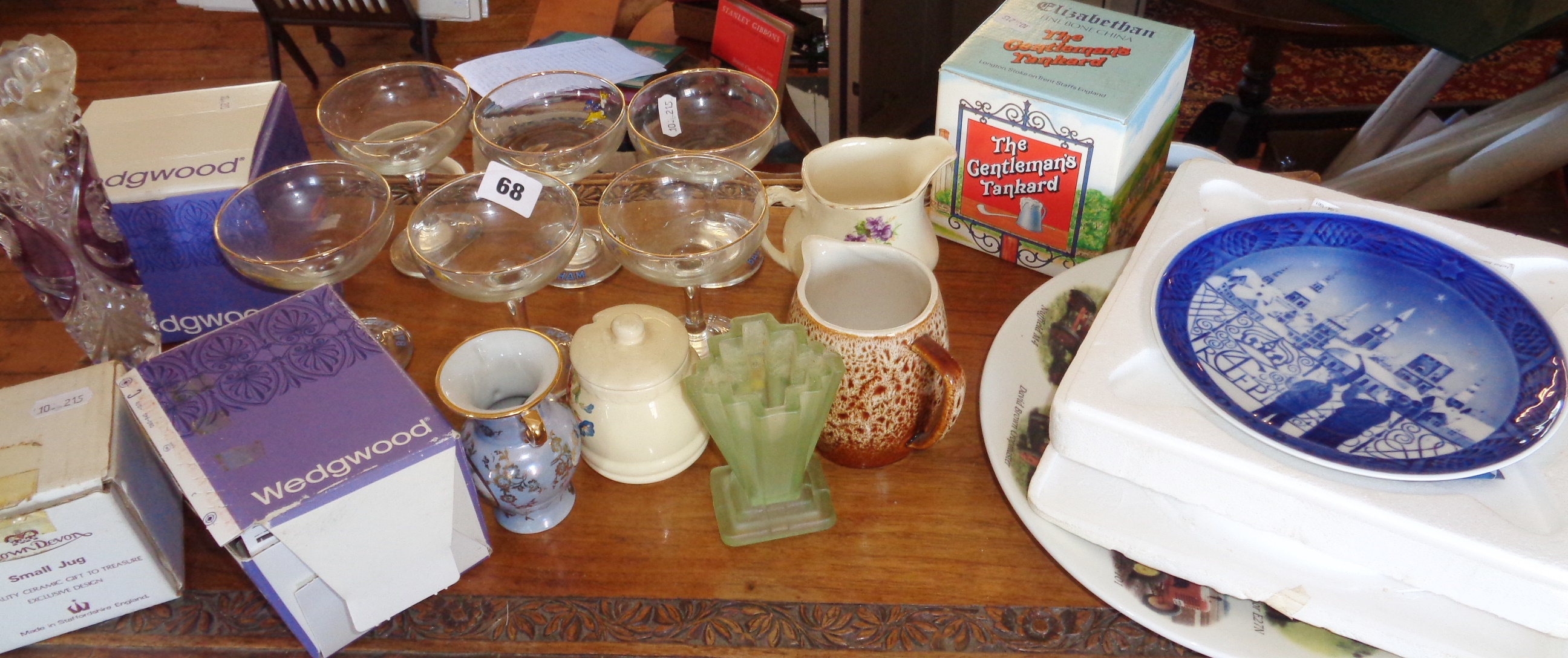 Lot 68 - Six Babycham glasses and other items