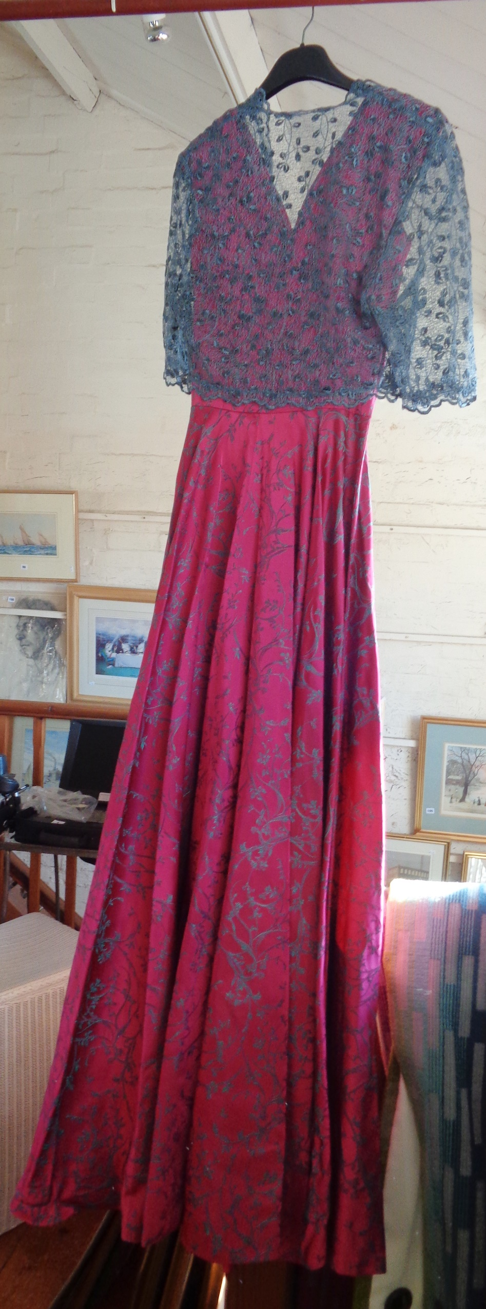 Lot 10 - Vintage clothing: Silk evening dress with train