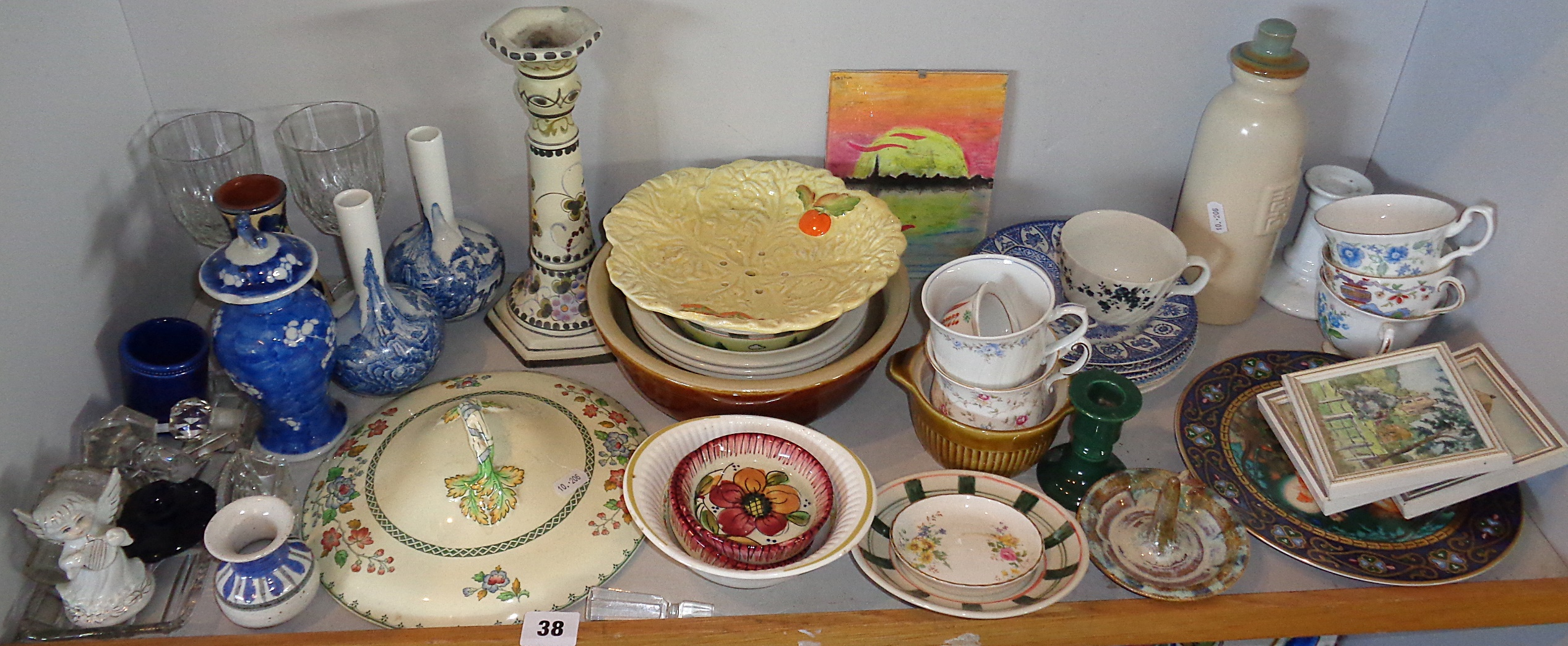 Lot 38 - Large shelf of assorted chinaware