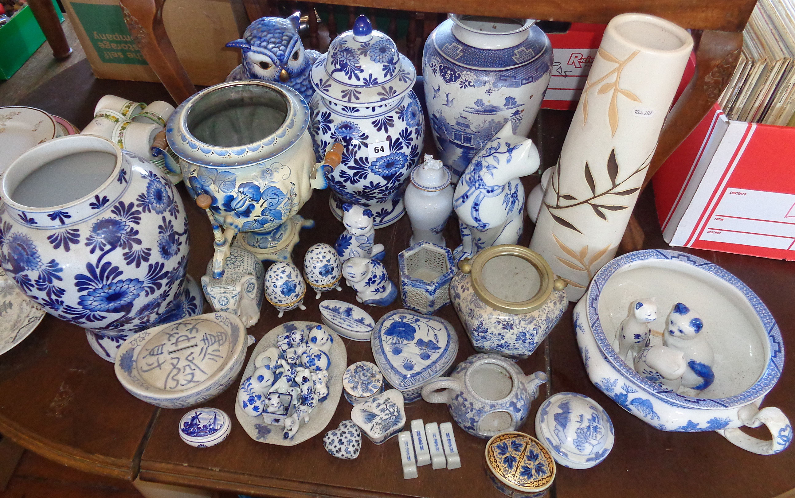 Lot 64 - Large collection of blue and white china including modern Chinese and Delft vases and ornaments